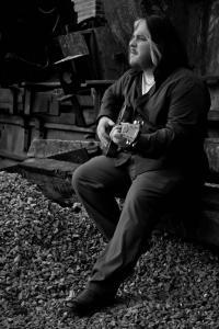 drew-adams-acoustic-promo-photo-1
